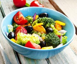 做沙拉坚持四个原则吃不胖