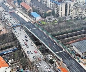 长沙劳动路跨京广铁路新桥下月投入使用 双向8车道