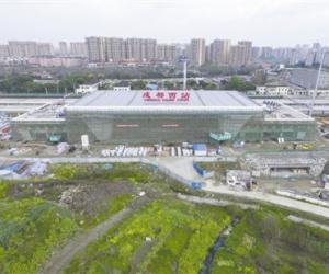 成都西站初具规模 站房主体结构已经完成