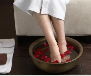 两类人泡脚可能会发生危险