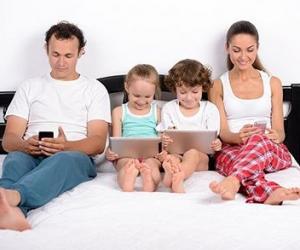 要想孩子不玩手机,请家长先放下手机