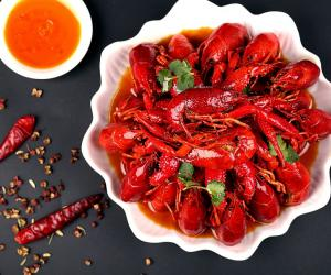 一斤龙虾免费送!珍美味美食城夜市档开档啦