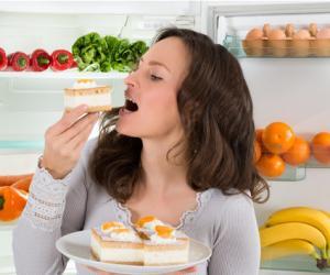长期吃甜食的人,身体会发生哪些变化?