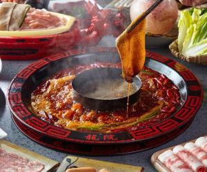 龍院老火锅,东灶餐饮12年匠心之作,舌尖上的川粤美食