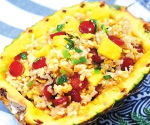 舌尖上的夏日美食:菠萝饭 酸甜开胃