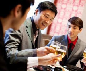 成功,从喝悦观潮黄酒开始。