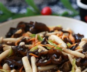海鲜菇炒木耳