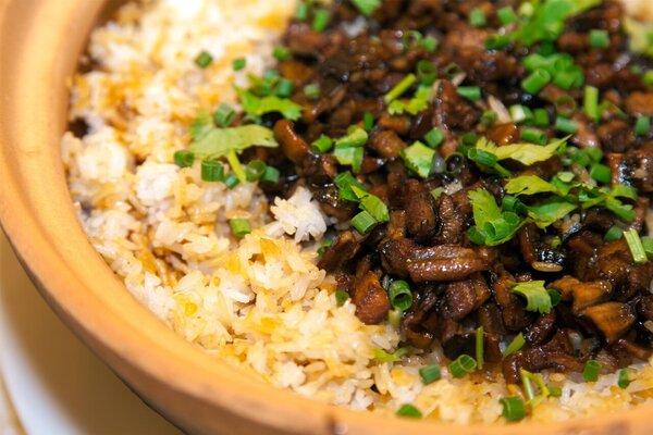冬至防寒饮食:腊味糯米饭